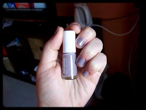 2ème essai de vernis H&M – Teinte Grey
