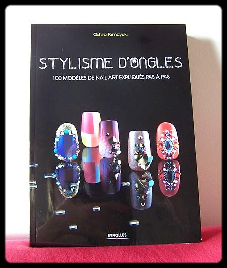 Le livre incontournable des fans de nail art !