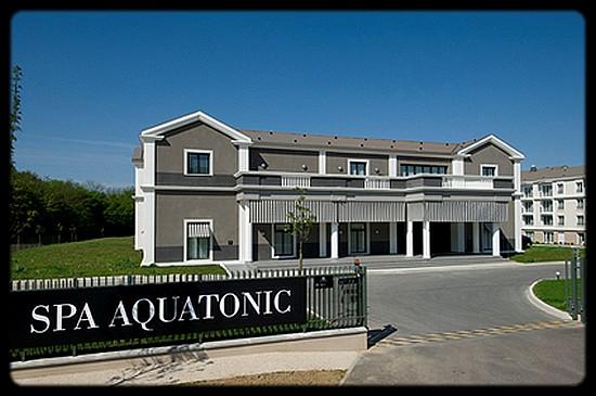 aquatonic