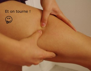 Massage vers l'intérieur des cuisses